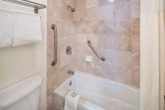 Arbor Inn Monterey - Private Bathrooms