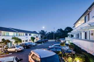 Arbor Inn Monterey - Minutes From Downtown Monterey